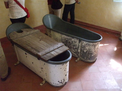 Vincent van Gogh's hydrotherapy tub.