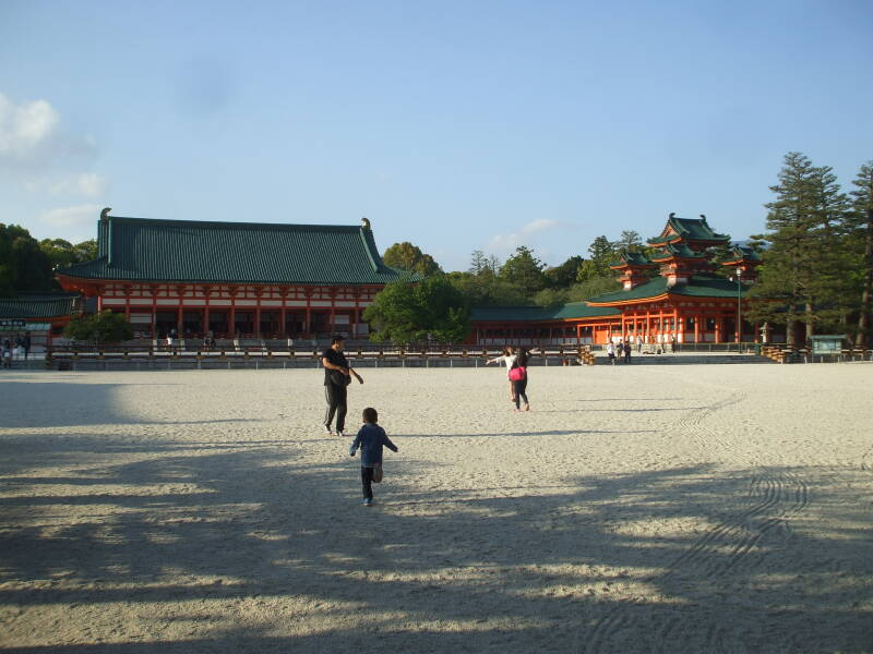 Main courtyard at Heian-jingū in Kyōto.