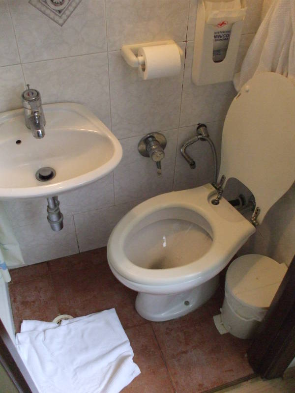 Italian Toilets And Other Plumbing Toilets Of The World