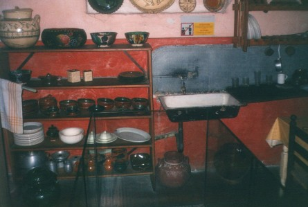 Leon Trotsky's kitchen sink