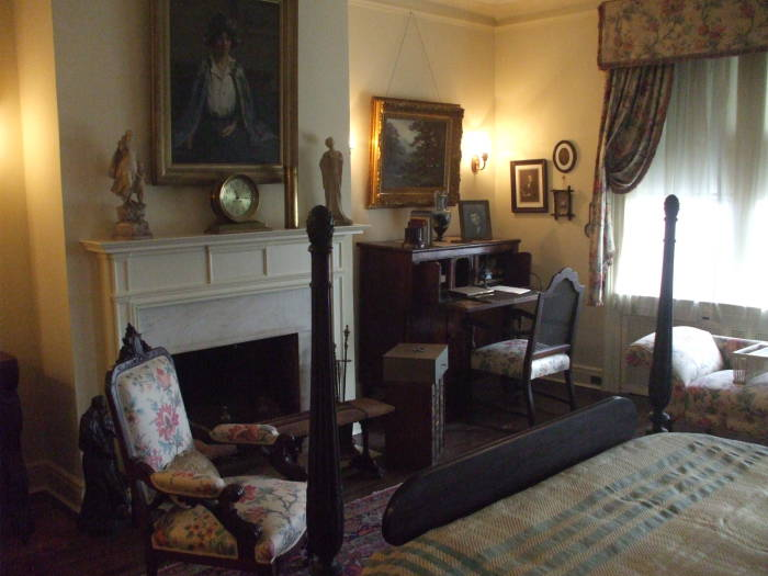 Woodrow Wilson's bedroom.